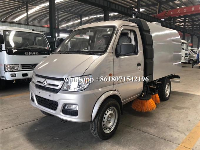 Small Size Mechanical Sweeper Truck 2600mm Wheelbase For City Sanitation