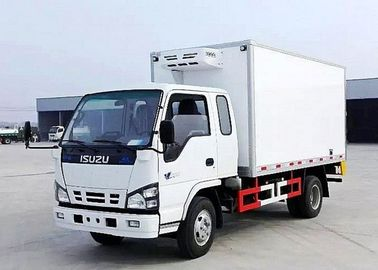 China 3-5 Tons ISUZU 4×2 Refrigerated Van Truck , Freezer Box Vehicle For Meat / Fish distributor