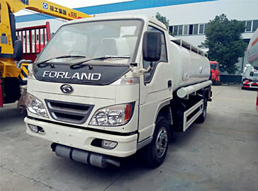 China Forland 5cbm Fuel Oil Dispenser and Delivery Tank Truck , 4*2 Petrol Diesel Refueling truck distributor