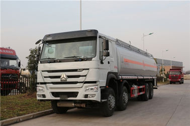 China HOWO 8x4 30Cbm Fuel Delivery Truck With API Manhole , Petrol Diesel Oil Transport Truck factory